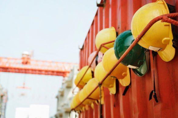 A sigla APR significa Análise Preliminar de Riscos, que é um estudo prévio e detalhado das fases do trabalho a ser realizado - entenda a importância.