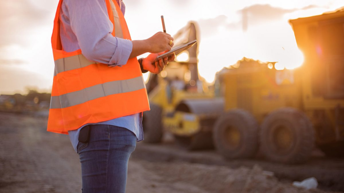 Qual a importância da gestão de equipamentos na construção civil?