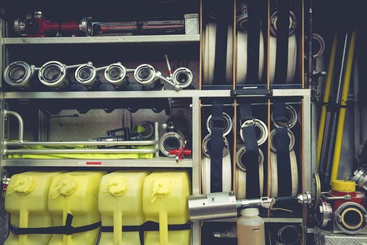 Como a tecnologia ajuda no controle de equipamentos?